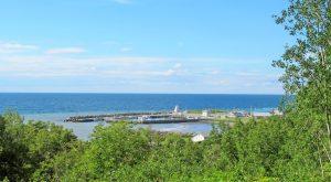 Hafen mit obligatorischem Leuchtturm