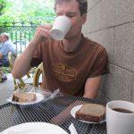 """Der erste Kaffee im """"Stamm-Café"""""""