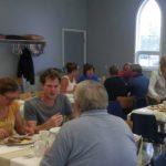 Frühstück in der Gemeinde von Stephenville mit Diane und John