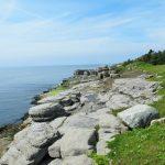 Tolle Felsen bei Sheaves Cove auf denen wir rumklettern