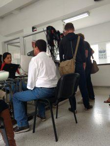 Papierkram erledigen wir schon vorab in Medellin - beim Notar