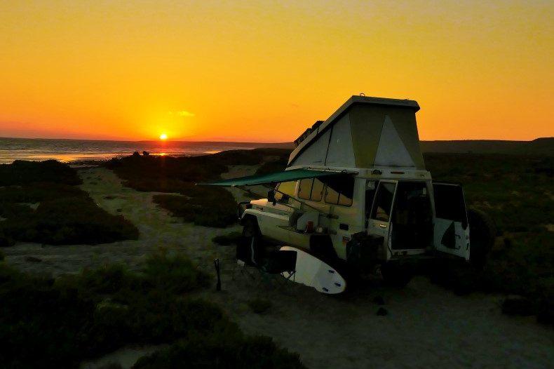 49_Sonnenuntergang am Schlafplatz am Meer